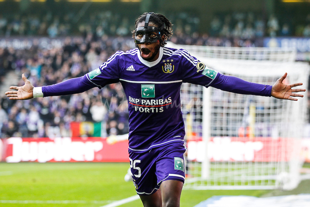 Dieudonne Mbokani of Anderlecht celebrates after scoring during the Belgian Jupiler League soccer match between RSC Anderlecht and Club Brugge, at the Constant Vanden Stock stadium in Brussels, Belgium, 11 November 2012.