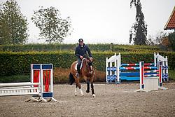 """At home with Jeroen Dubbeldam<br /> Stal """"De Sjiem"""" - Weerselo 2014<br /> © Dirk Caremans"""