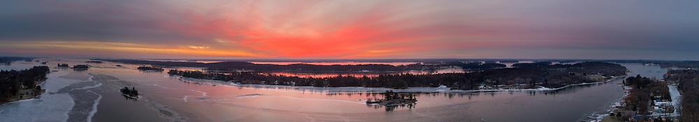 http://Duncan.co/sunrise-1000-islands-january-17-2017