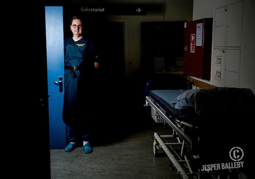 Rastislav Kunda<br /> Fem &aring;rs mareridt sluttede i december for Aarhus-kirurgen Rastislav Kunda med en klokkeklar frifindelse fra den norske H&oslash;jesteret. Igennem fem &aring;r havde han uretm&aelig;ssigt v&aelig;ret h&aelig;ngt ud i norske medier med navn og billede for at fjerne organer fra raske mennesker. I dette interview fort&aelig;ller han om sagen, han ved altid vil m&aelig;rke ham