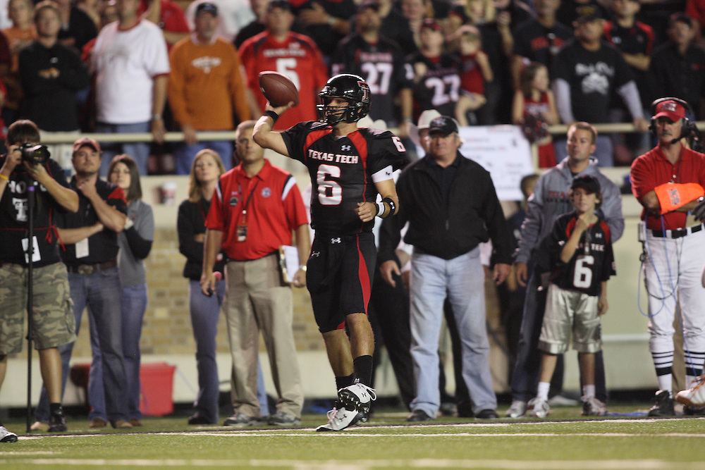 Graham Harrell, quarterback, Texas Tech Red Raiders. Texas at Texas Tech. Jones AT&T Stadium, Lubbock, Texas. November 1 2008. Photograph © 2008 Darren Carroll.