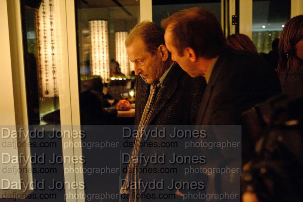 LUCIAN FREUD; DAVID DAWSON, Launch of Nicky Haslam's book Redeeming Features. Aqua Nueva. 5th floor. 240 Regent St. London W1.  5 November 2009.  *** Local Caption *** -DO NOT ARCHIVE-© Copyright Photograph by Dafydd Jones. 248 Clapham Rd. London SW9 0PZ. Tel 0207 820 0771. www.dafjones.com.<br /> LUCIAN FREUD; DAVID DAWSON, Launch of Nicky Haslam's book Redeeming Features. Aqua Nueva. 5th floor. 240 Regent St. London W1.  5 November 2009.