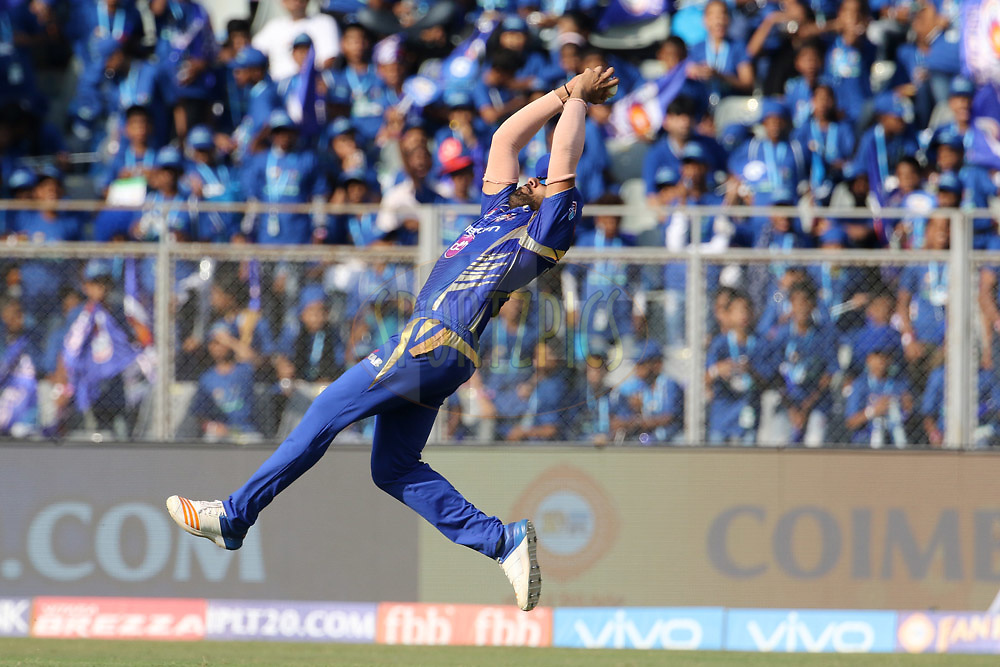 Mumbai Indians captain Rohit Sharma takes a catch of Gujarat Lions captain Suresh Raina during match 16 of the Vivo 2017 Indian Premier League between the Mumbai Indians and the Gujarat Lions held at the Wankhede Stadium in Mumbai, India on the 16th April 2017<br /> <br /> Photo by Vipin Pawar - IPL - Sportzpics