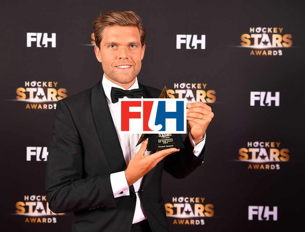 BERLIN, GERMANY - FEBRUARY 05:  Vincent Vanasch of Belgium holds his award for goalkeeper of the year during the Hockey Star Awards night at Stilwerk on February 5, 2018 in Berlin, Germany.  (Photo by Stuart Franklin/Getty Images For FIH)