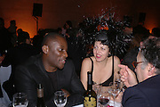 EKOW ESHUN and ISABELLA BLOW. Turner Prize 2005. Tate Britain.   5 December  2005. ONE TIME USE ONLY - DO NOT ARCHIVE  © Copyright Photograph by Dafydd Jones 66 Stockwell Park Rd. London SW9 0DA Tel 020 7733 0108 www.dafjones.com