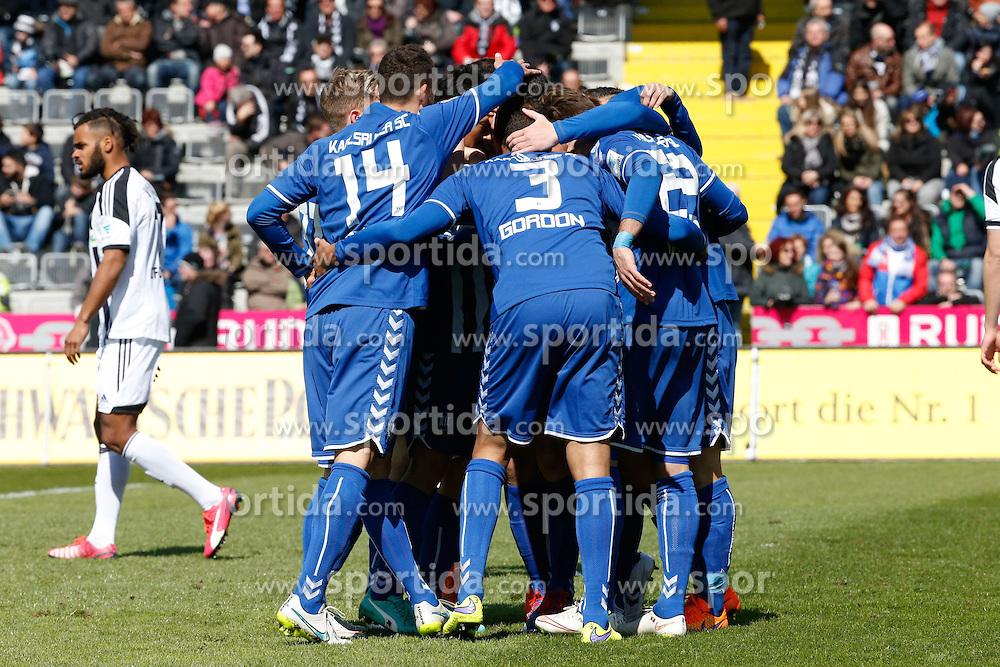 05.04.2015, Scholz Arena, Aalen, GER, 2. FBL, VfR Aalen vs Karlsruher SC, 27. Runde, im Bild JUbel beim KSC in der vierten MInute nach dem 0:1 durch Rouwen Hennings (Karlsruher SC) // during the 2nd German Bundesliga 27th round match between VfR Aalen and Karlsruher SC at the Scholz Arena in Aalen, Germany on 2015/04/05. EXPA Pictures &copy; 2015, PhotoCredit: EXPA/ Eibner-Pressefoto/ BW-Foto<br /> <br /> *****ATTENTION - OUT of GER*****