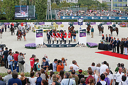 Team USA<br /> Beezie Madden, Reed Kessler, Lucy Davis, Katie Dinan, MvLain Ward, Chef d'equipe Robert Ridland<br /> Winners Team consolation competition<br /> Furusiyya FEI Nations Cup Jumping Final<br /> CSIO Barcelona 2013<br /> © Dirk Caremans