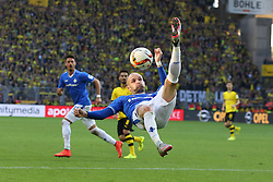 27.09.2015, Signal Iduna Park, Dortmund, GER, 1. FBL, Borussia Dortmund vs SV Darmstadt 98, 7. Runde, im Bild Konstantin Rausch (SV Darmstadt 98 #34) klaert mit einem Fallrueckzieher // during the German Bundesliga 7th round match between Borussia Dortmund and SV Darmstadt 98 at the Signal Iduna Park in Dortmund, Germany on 2015/09/27. EXPA Pictures © 2015, PhotoCredit: EXPA/ Eibner-Pressefoto/ Schueler<br /> <br /> *****ATTENTION - OUT of GER*****