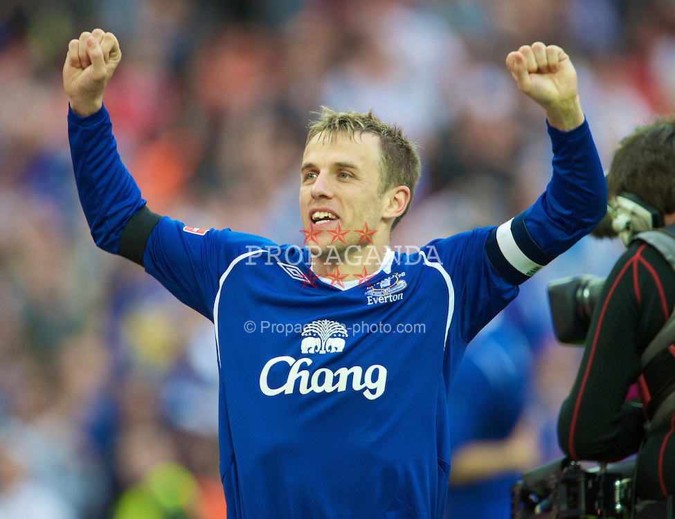 LONDON, ENGLAND - Sunday, April 19, 2009: Everton's captain Phil Neville celebrates after beating Manchester United on penalties during the FA Cup Semi-Final match at Wembley. (Photo by David Rawcliffe/Propaganda)