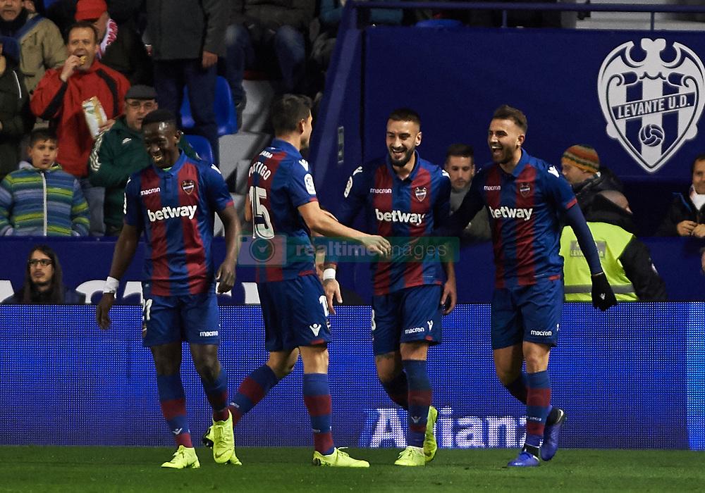 صور مباراة : ليفانتي - برشلونة 2-1 ( 10-01-2019 ) 20190110-zaa-n230-374