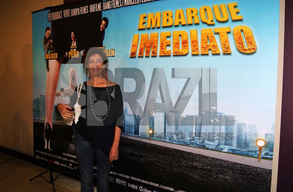 """SÃO PAULO, SP, 30 DE NOVEMBRO DE 2009 - PRÉ ESTREIA FILME EMBARQUE IMEDIATO - Pré estréia do filme """"Embarque Imediato'' com a presença dos atores Marília Pêra, José Wilker e Jonathan Haagesen e o diretor Alan Filterman no Shopping Eldorado na região oeste da capital paulista FOTO: BRAZIL PHOTO PRESS"""