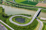Nederland, Limburg, Gemeente Maasgouw, 27-05-2013; brug over het Julianakaal bij Ohe en Laak.<br /> Bridge across Julianacanal (Meuse canal).<br /> luchtfoto (toeslag op standard tarieven);<br /> aerial photo (additional fee required);<br /> copyright foto/photo Siebe Swart.