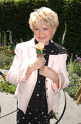 GLORIA HUNNIFORD at the 2005 RHS Chelsea Flower Show on 23rd May 2005<br /><br />NON EXCLUSIVE - WORLD RIGHTS