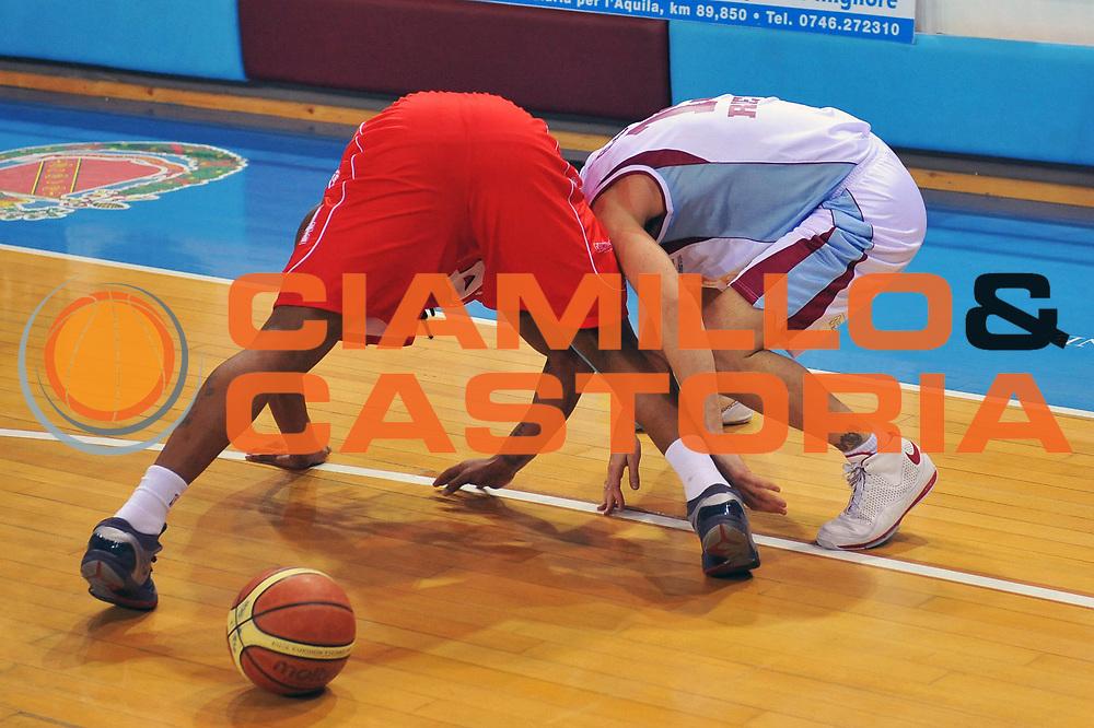 DESCRIZIONE : Rieti Lega A 2008-09 Solsonica Rieti Armani Jeans Milano<br /> GIOCATORE : Mario Gigena David Hawkins<br /> SQUADRA : Solsonica Rieti Armani Jeans Milano<br /> EVENTO : Campionato Lega A 2008-2009<br /> GARA : Solsonica Rieti Armani Jeans Milano<br /> DATA : 22/03/2009<br /> CATEGORIA : Curiosita<br /> SPORT : Pallacanestro<br /> AUTORE : Agenzia Ciamillo-Castoria/E.Grillotti