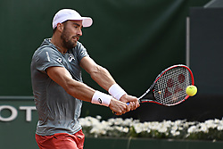 GENEVA, May 26, 2018  Steven Johnson of the United States returns a shot to Marton Fucsovics of Hungary during the men's semi-final at the 2018 Geneva Open ATP 250 Tennis tournament in Geneva, Switzerland, on May 25, 2018. (Credit Image: © Alain Grosclaude/Xinhua via ZUMA Wire)