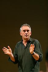 Dennis Lawson