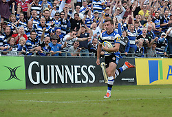 Bath Fly-Half George Ford breaks free to score a try. - Photo mandatory by-line: Alex James/JMP - Mobile: 07966 386802 - 23/05/2015 - SPORT - Rugby - Bath - Recreation Ground - Bath v Leicester Tigers - Aviva Premiership Rugby semi-final