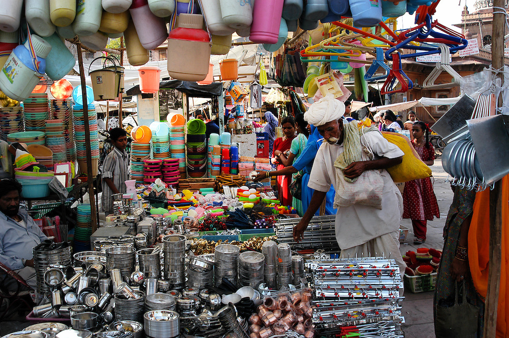 Sardar market (bazaar) in Jodhpur is a lively collection of tiny shops and stalls selling  textiles, silver, handicrafts, aromatic spices, vegetables and colorful Indian sweets.