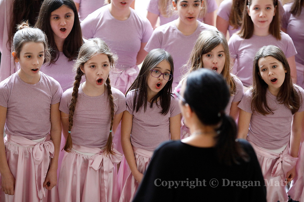 The school choir of elementary school Izidora Krsnjavoga