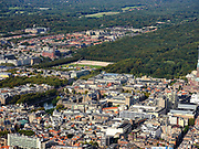 Nederland, Zuid-Holland, Den Haag, 14-09-2019; zicht op centrum van de stad, met Binnenhof, Hofvijfer en Tweede kamer,  Malieveld en Haagse Bos.<br /> View of center of the city, with parliament.<br /> luchtfoto (toeslag op standard tarieven);<br /> aerial photo (additional fee required);<br /> copyright foto/photo Siebe Swart
