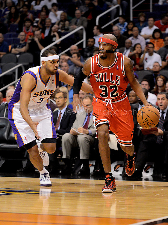 Nov. 14, 2012; Phoenix, AZ, USA; Chicago Bulls guard Richard Hamilton (32) handles the ball during the game against the Phoenix Suns forward Jared Dudley (3) in the first half at US Airways Center. Mandatory Credit: Jennifer Stewart-US PRESSWIRE.