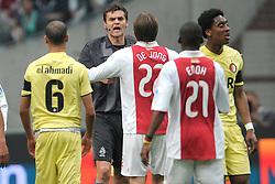 25-04-2010 VOETBAL: AJAX - FEYENOORD: AMSTERDAM<br /> De eerste wedstrijd in de bekerfinale is gewonnen door Ajax met 2-0 / Eric Braamhaar scheidsrechter<br /> ©2010-WWW.FOTOHOOGENDOORN.NL