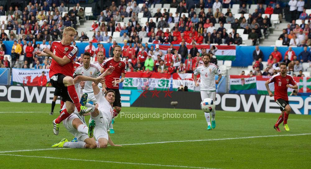 BORDEAUX, FRANCE - Monday, June 14, 2016: Austria's  Martin Hinteregger shoots at goal against Hungary during the UEFA Euro 2016 Championship match at Stade de Bordeaux. (Pic by Paul Greenwood/Propaganda)
