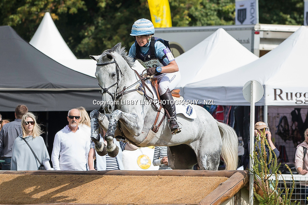 2014 TITLE WINNER: NZL-Jonelle Price (FAERIE DIANIMO) FINAL-1ST: CIC3* 8&9YO: CROSS COUNTRY: 2014 GBR-Blenheim Palace International Horse Trial (Sunday 14 September) CREDIT: Libby Law COPYRIGHT: LIBBY LAW PHOTOGRAPHY - NZL