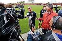 ALKMAAR - 20-10-2015, training Ron Vlaar, AFAS Stadion, persconferentie, sieb oostindie