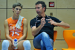 30-10-2011 VOLLEYBAL: NEDERLAND - BELGIE: ZWOLLE <br /> Nederland wint de tweede oefenwedstrijd met 3-2 van Belgie / (L-R) Ingrid Visser, Interim headcoach Bert Goedkoop<br /> ©2011-WWW.FOTOHOOGENDOORN.NL