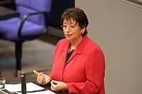 17 OCT 2003, BERLIN/GERMANY:<br /> Karin Roth, MdB, SPD, Senatorin a.D., haelt eine Rede, waehrend einer Bundestagdebatte, Plenum, Deutscher Bundestag<br /> IMAGE: 20031017-01-059<br /> KEYWORDS: speech