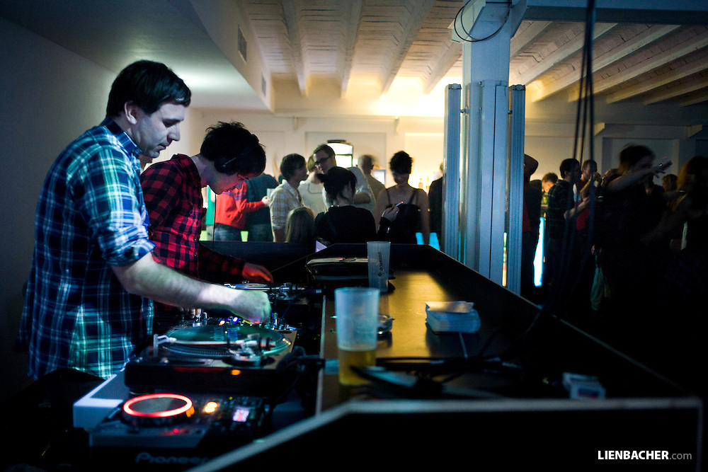 Óli Hlynur & Diamond Dust (YEAH!CLUB) @ SAKOG reopening party