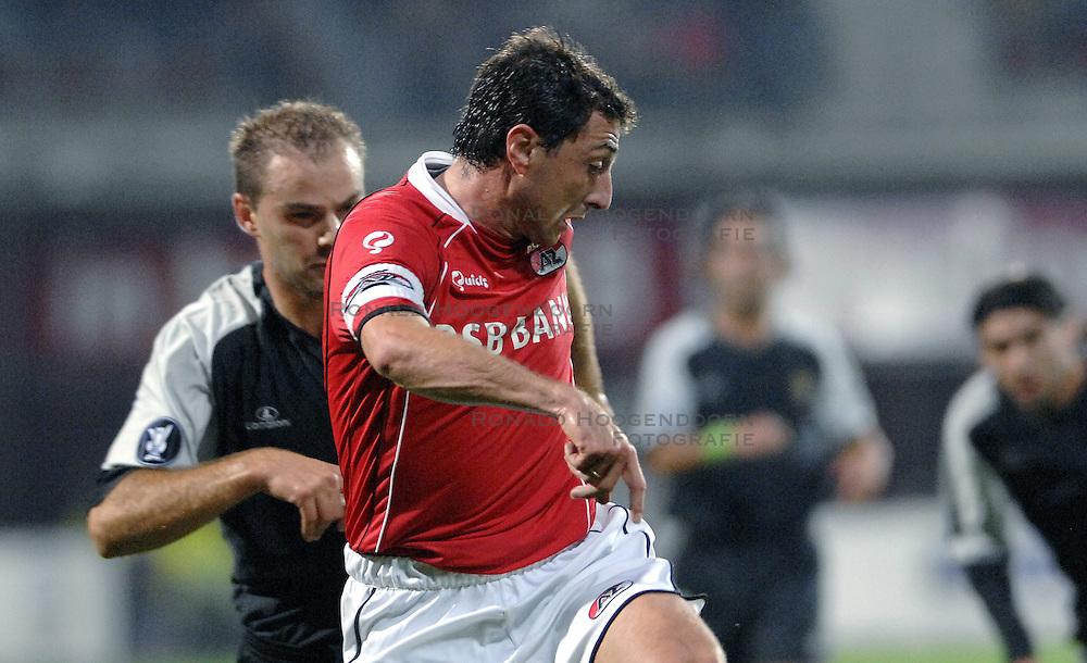 19-10-2006 VOETBAL: UEFA CUP: AZ - SPORTING BRAGA: ALKMAAR<br /> AZ versloeg de Portugese topclub Sporting Braga in de groepsfase van de UEFA-beker overtuigend met 3-0 / Shota Arveladze en Paulo Jorge<br /> &copy;2006-WWW.FOTOHOOGENDOORN.NL