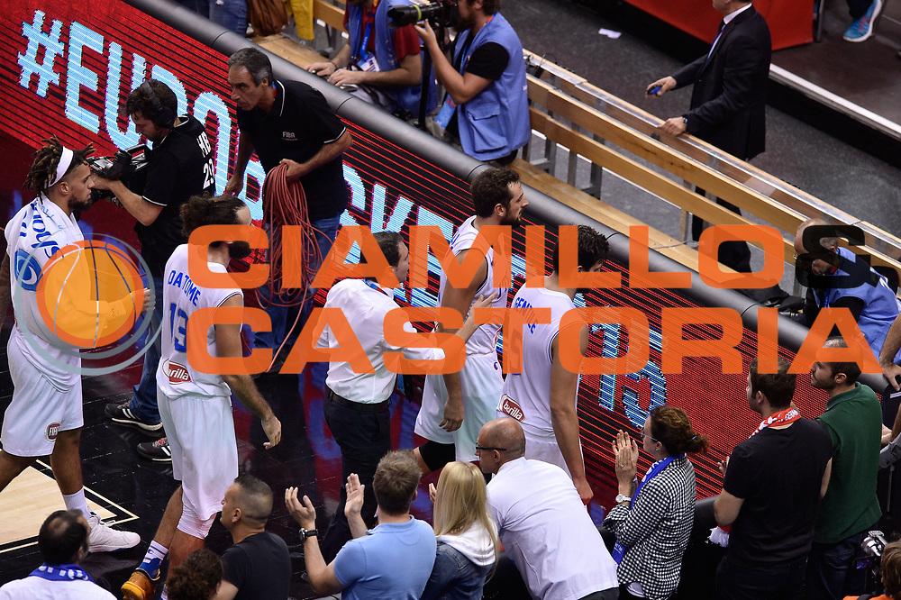 DESCRIZIONE : Berlino Berlin Eurobasket 2015 Group B Turkey Italy<br /> GIOCATORE : team Italia <br /> CATEGORIA : delusione<br /> SQUADRA : Turkey Italy<br /> EVENTO : Eurobasket 2015 Group B <br /> GARA : Turkey Italy<br /> DATA : 05/09/2015 <br /> SPORT : Pallacanestro <br /> AUTORE : Agenzia Ciamillo-Castoria/Giulio Ciamillo <br /> Galleria : Eurobasket 2015 <br /> Fotonotizia : Berlino Berlin Eurobasket 2015 Group B Turkey Italy