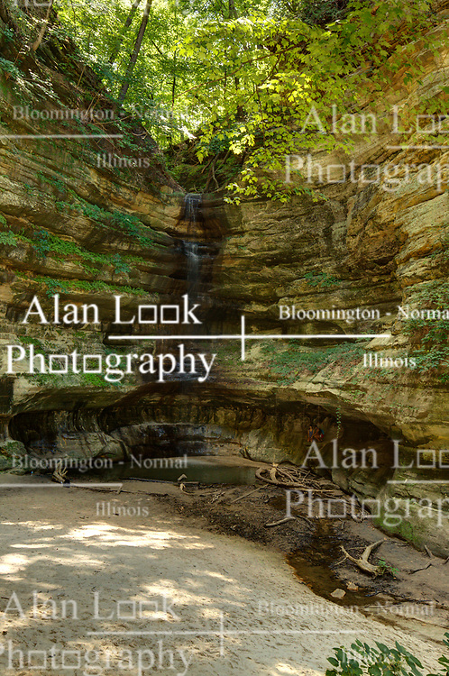 Waterfall in St. Louis Canyon in Starved Rock State Park in Illinois