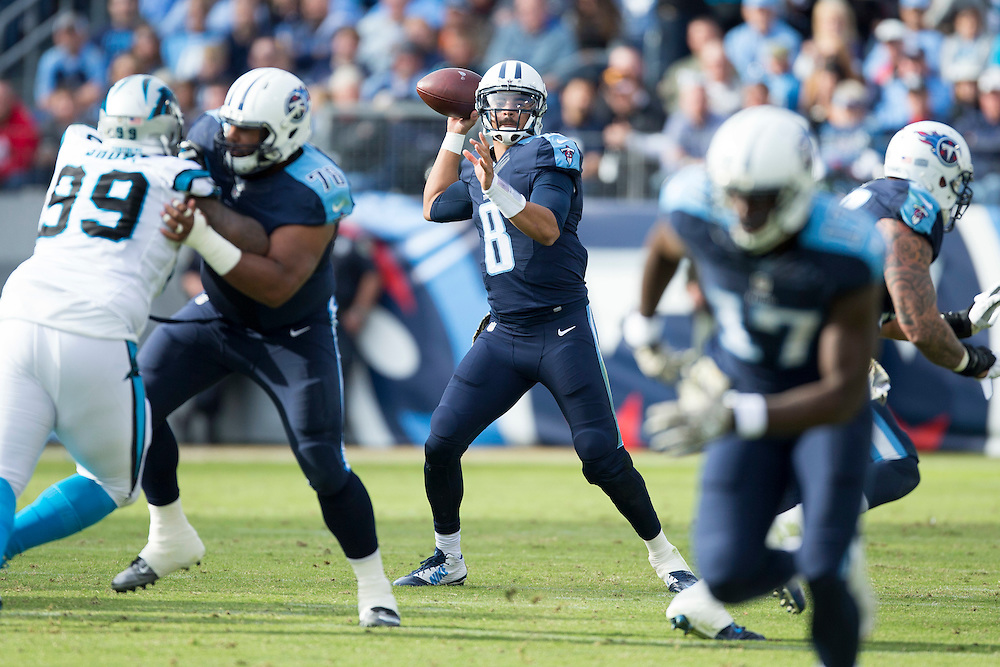 NASHVILLE, TN - NOVEMBER 15:  Marcus Mariota #8 of the Tennessee Titans throws a pass during a game against the Carolina Panthers at Nissan Stadium on November 15, 2015 in Nashville, Tennessee.  (Photo by Wesley Hitt/Getty Images) *** Local Caption *** Marcus Mariota