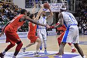 DESCRIZIONE : Eurocup 2015-2016 Last 32 Group N Dinamo Banco di Sardegna Sassari - Szolnoki Olaj<br /> GIOCATORE : David Logan<br /> CATEGORIA : Passaggio Penetrazione<br /> SQUADRA : Dinamo Banco di Sardegna Sassari<br /> EVENTO : Eurocup 2015-2016<br /> GARA : Dinamo Banco di Sardegna Sassari - Szolnoki Olaj<br /> DATA : 03/02/2016<br /> SPORT : Pallacanestro <br /> AUTORE : Agenzia Ciamillo-Castoria/L.Canu