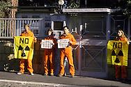 Roma, 8 ottobre 2006  .Manifestazione  di attivisti di Greenpeace davanti all' Ambasciata della Corea del Nord  per protestare contro i test nucleare e per consegnare una lettera di protesta di Greenpeace all'Ambasciatore.  .Il leader della Corea del Nord, Kim Jong-il, sta pianificando di testare armi nucleari nei prossimi giorni, in concomitanza con il 9 ° anniversario della sua leadership del paese..Rome October 8 th 2006      .Demonstration  of Greenpeace activists outside the North Korea embassy  to protest against the nuclear test and to deliver a letter of protest of Greenpeace  to the Ambassador.    .The North Korean leader, Kim Jong-il, is planning to test a nuclear weapon during the coming days, to coincide with the 9th anniversary of his leadership of the country.