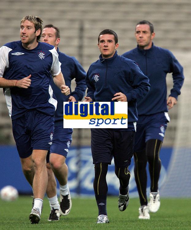 Photo: Paul Thomas.<br /> Rangers Training session. UEFA Champions League. 01/10/2007.<br /> <br /> Captain Barry Ferguson (C) of Rangers during their training session in Lyon.
