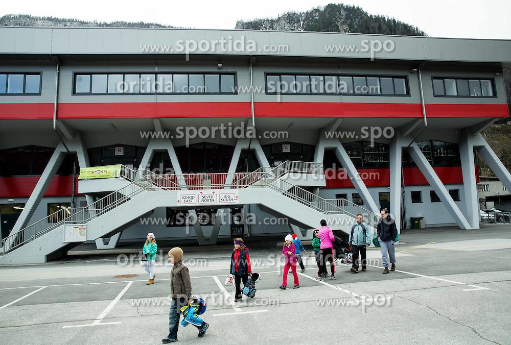 Arena Podmezakla, on April 5, 2015 in Arena Podmezakla, Jesenice, Slovenia. Photo by Vid Ponikvar / Sportida