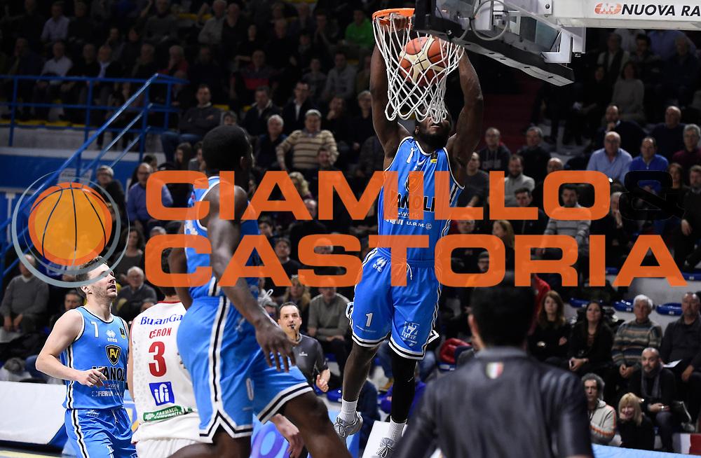 Martin Kelvin<br /> Vanoli Cremona - Victoria Libertas Pesaro<br /> Lega Basket Serie A 2017/2018<br /> Pesaro, 04/03/2018<br /> Foto A.Giberti / Ciamillo - Castoria