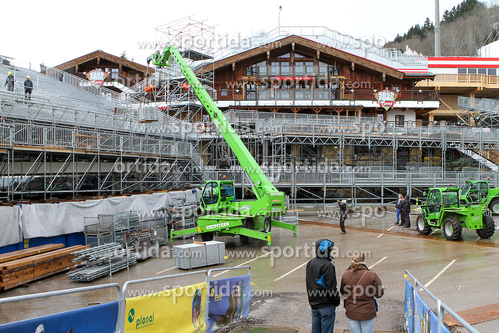 04.01.2013, Schladming, AUT, FIS Weltmeisterschaften Ski Alpin, Schladming 2013, Vorberichte, im Bild Arbeiten für die Errichtung der Zuschauertribüne neben der Hohenhaus Tenne am 04.01.2013 // installation of the grandstand (tribune) near the Hohenhaus Tenne on 2013/01/04, preview to the FIS Alpine World Ski Championships 2013 at Schladming, Austria on 2013/01/04. EXPA Pictures © 2012, PhotoCredit: EXPA/ Martin Huber