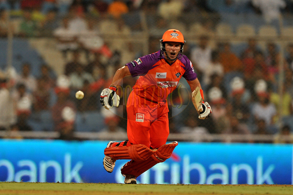 Brad Hodge of Kochi Tuskers Kerala bats during  match 10 of the Indian Premier League ( IPL ) Season 4 between the Pune Warriors and the Kochi Tuskers Kerala held at the Dr DY Patil Sports Academy, Mumbai India on the 12th April 2011..Photo by Pal Pillai /BCCI/SPORTZPICS
