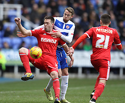 Nottingham Forest's Matty Fryatt controls under pressure from Reading's Chris Gunter - Photo mandatory by-line: Robbie Stephenson/JMP - Mobile: 07966 386802 - 28/02/2015 - SPORT - Football - Reading - Madejski Stadium - Reading v Nottingham Forest - Sky Bet Championship