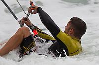 Chris Burns kitesurfing