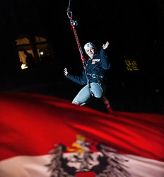 28.12.2013, Hauptplatz, Lienz, AUT, FIS Weltcup Ski Alpin, Lienz, Damen, Siegerehrung Riesentorlauf mit anschließender Auslosung der Startnummern fuer Slalom, im Bild Jessica Lindell-Vikarby (SWE) // during the victory ceremony of the giant slalom and the bip draw for slalom, Lienz FIS Ski Alpine World Cup at Hautpplatz in Lienz, Austria on 2013/12/28, EXPA Pictures © 2013 PhotoCredit: EXPA/ Michael Gruber