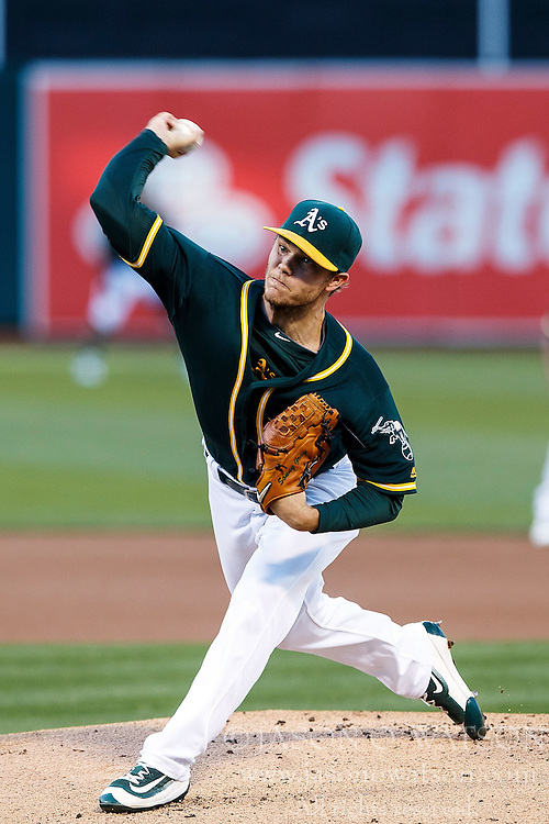 OAKLAND, CA - JULY 21:  Sonny Gray #54 of the Oakland Athletics pitches against the Tampa Bay Rays during the first inning at the Oakland Coliseum on July 21, 2016 in Oakland, California. (Photo by Jason O. Watson/Getty Images) *** Local Caption *** Sonny Gray