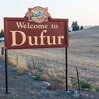 Dufur, Oregon welcome sign