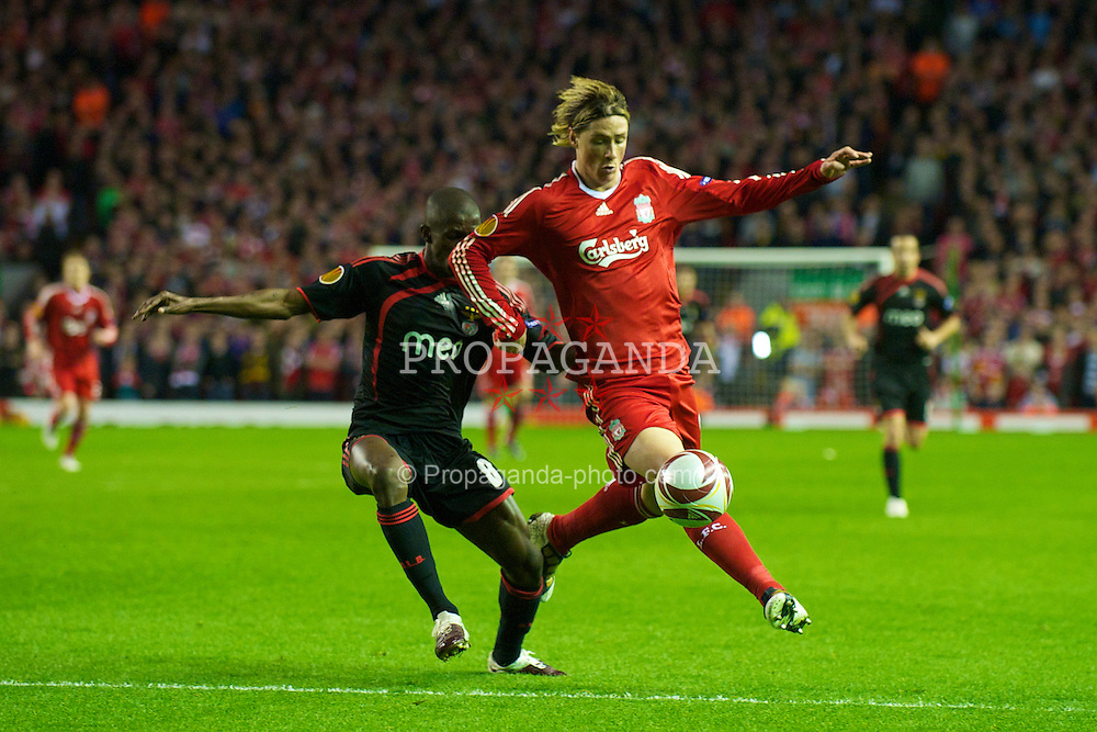 LIVERPOOL, ENGLAND - Thursday, April 8, 2010: Liverpool's Fernando Torres and Sport Lisboa e Benfica's Ramires during the UEFA Europa League Quarter-Final 2nd Leg match at Anfield. (Photo by: David Rawcliffe/Propaganda)