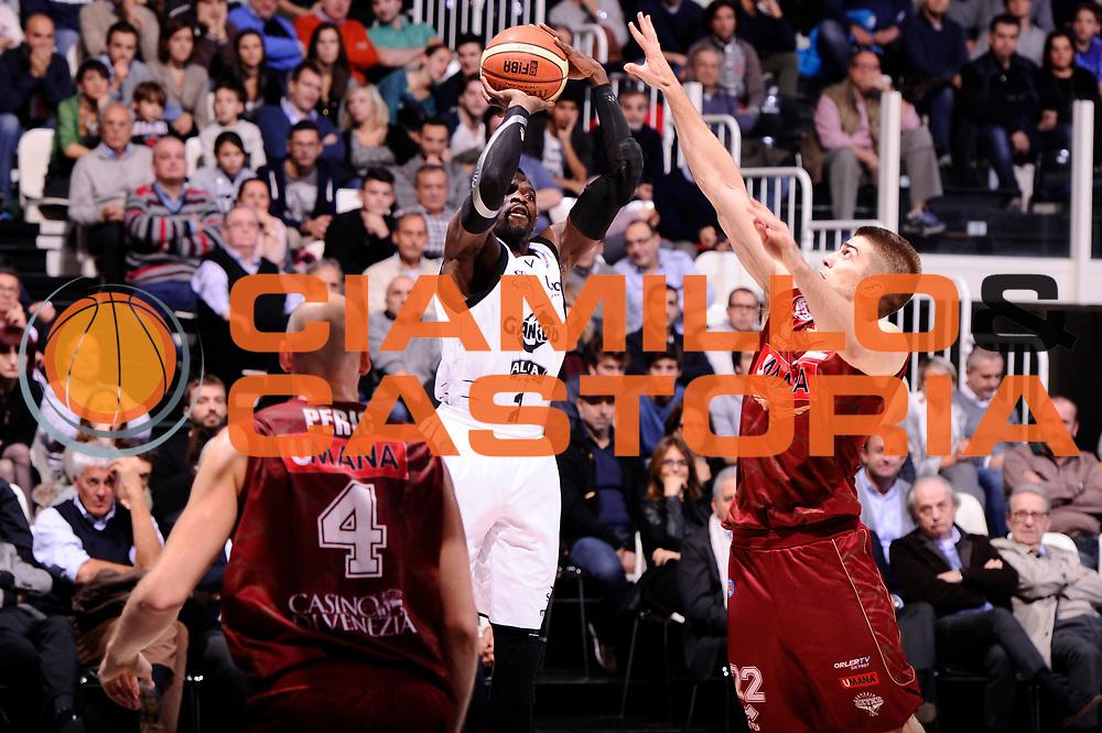 DESCRIZIONE : Bologna Lega A 2014-15 Granarolo Bologna Umana Reyer Venezia<br /> GIOCATORE : Jeremy Hazell<br /> CATEGORIA : tiro three points<br /> SQUADRA : Granarolo Bologna<br /> EVENTO : Campionato Lega A 2014-15<br /> GARA : Granarolo Bologna Umana Reyer Venezia<br /> DATA : 16/11/2014<br /> SPORT : Pallacanestro <br /> AUTORE : Agenzia Ciamillo-Castoria/M.Marchi<br /> Galleria : Lega Basket A 2014-2015 <br /> Fotonotizia : Bologna Lega A 2014-15 Granarolo Bologna Umana Reyer Venezia<br /> Predefinita :